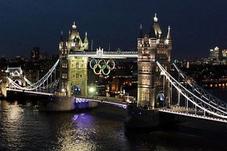 The+Olympic+rings+are+lit+up+on+Tower+Bridge,+London,+in+preparation+for+the+start+of+the+2012+London+Olympics-