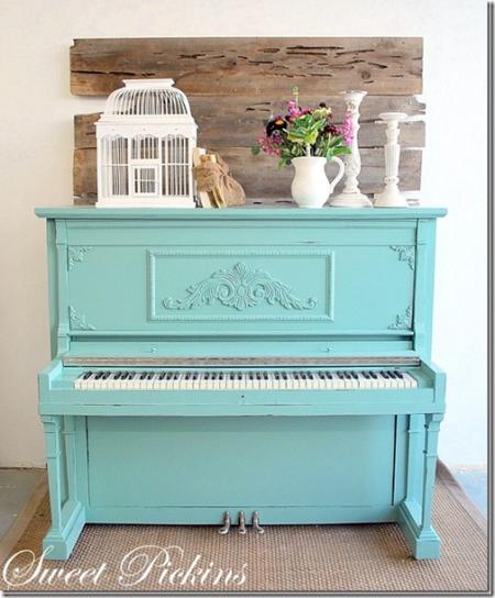Piano aqua