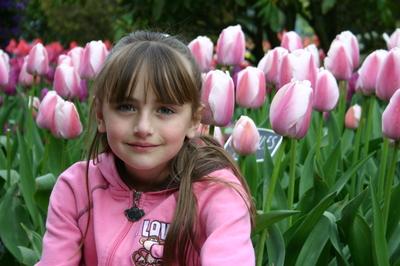 April_12_07_tulips_013